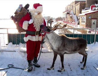 Search santa and reindeer