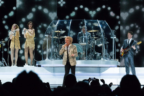 Rod Stewart's multimillion dollar staging brings glitz and glamour to the U.S. Cellular Center on Friday, July 24, 2015. (Zak Neumann/Freelance for Hoopla)