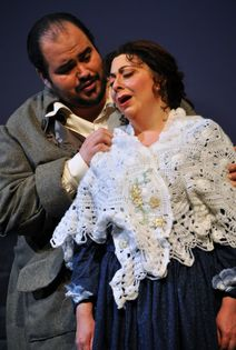 REVIEW: 'La Boheme' makes glorious Paramount debut for CR Opera Theatre