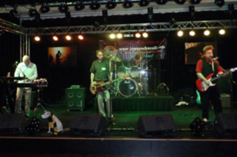 Local band to join 2013 Iowa Rock 'n Roll Music Association