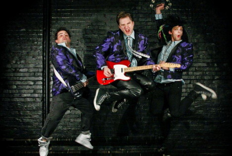 'Wedding Singer' hits retro high notes at Theatre Cedar Rapids