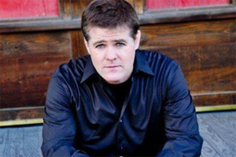 Comedien Greg Warren performs in Dubuque, Cedar Rapids this week