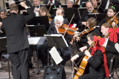 REVIEW: Orchestra Iowa rings in season with 'Holiday Spectacular'
