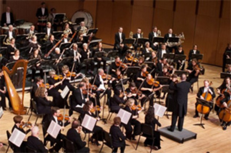 Triumphant performance ends Orchestra Iowa's run at Sinclair Auditorium